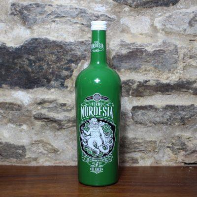 Vermu Nordesia botella