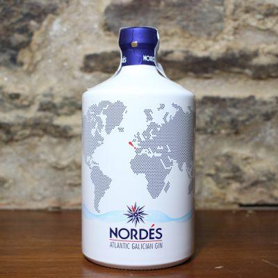 ginebra nordes botella